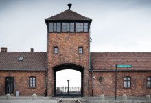 Photo of Auschwitz-Birbenau – A Porta da Morte