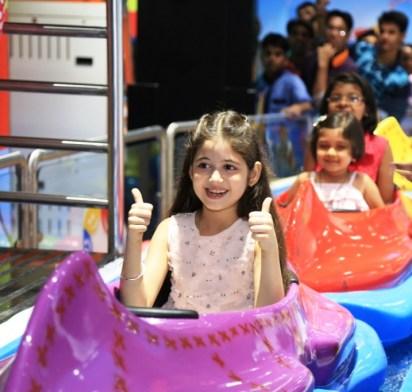 Harshali Malhotra enjoying rides at Fun City Ambience Mall Gurgaon_1