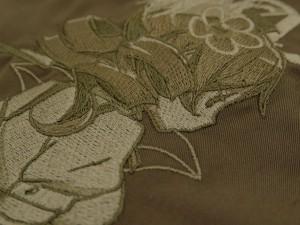 巴マミ刺繍ワークシャツ_セピアトーンver刺繍up2s