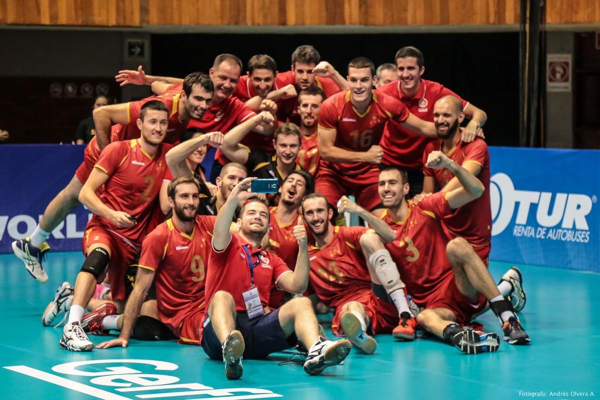 selfie crna gora spanija odbojka svjetska liga 09