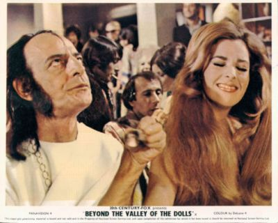 beyond-the-valley-of-the-dolls-3