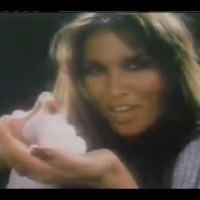 Great Balls O'Comfort - Caroline Munro Advertises Noxzema Shaving Cream