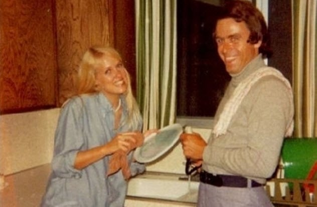 ted-bundy-and-girlfriend
