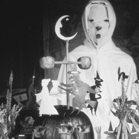The Nightmarish Halloween Costumes Of Yesteryear