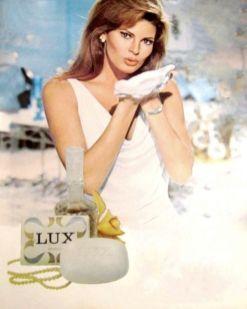 lux-raquel-welch-3