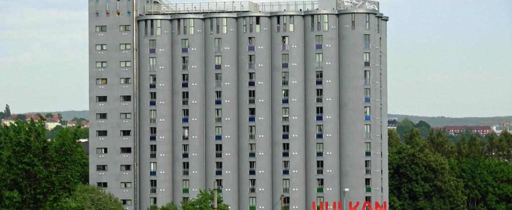 Grünerløkka's iconic grain elevator and storage silos into Grünerløkka Studenthus, a 226-unit student housing complex.