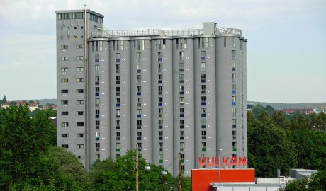 Grünerløkka's iconic grain elevator and storage silos into Grünerløkka Studenthus, a 226-unit student housing complex.