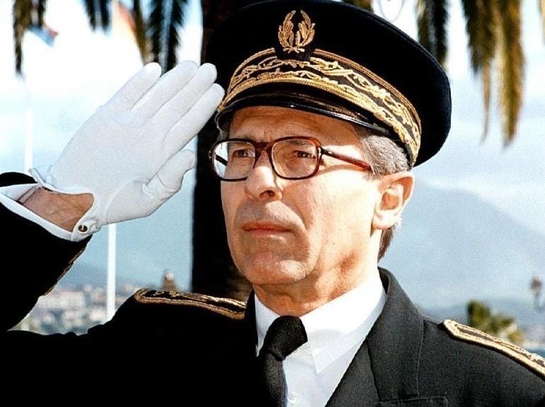 Hommage au préfet Erignac.