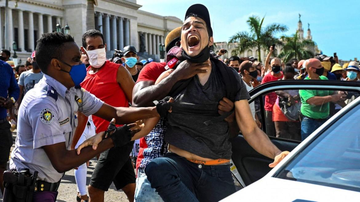 Communist Cuba Begins Cracking Down On Freedom Protesters, Internet Service Cut In Areas