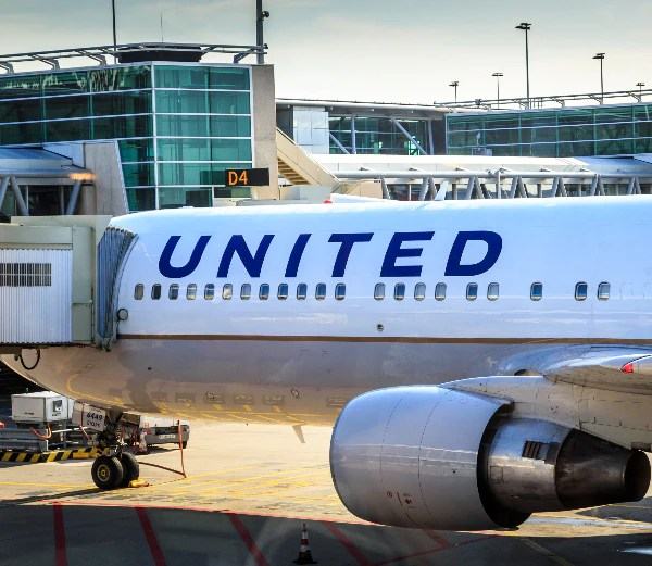 US Judge Restrains United From Placing Vax-Exempt Workers on Unpaid Leave