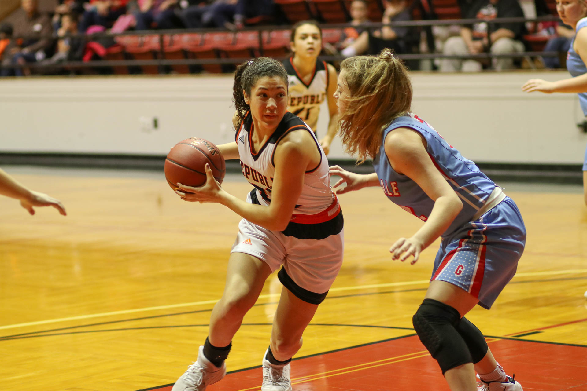 Lady Tigers Tip Off Tourney With Win