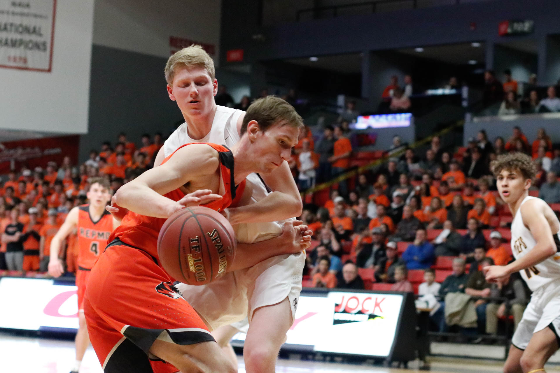 Tigers Fall Short In Sectionals