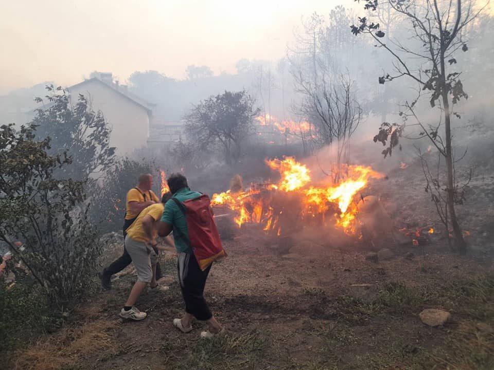 Се јави и Заев: Итно возиме за Кочани, хеликоптерите ќе помогнат утре -  Република