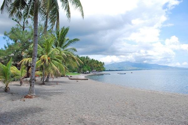 Pantai Waiara