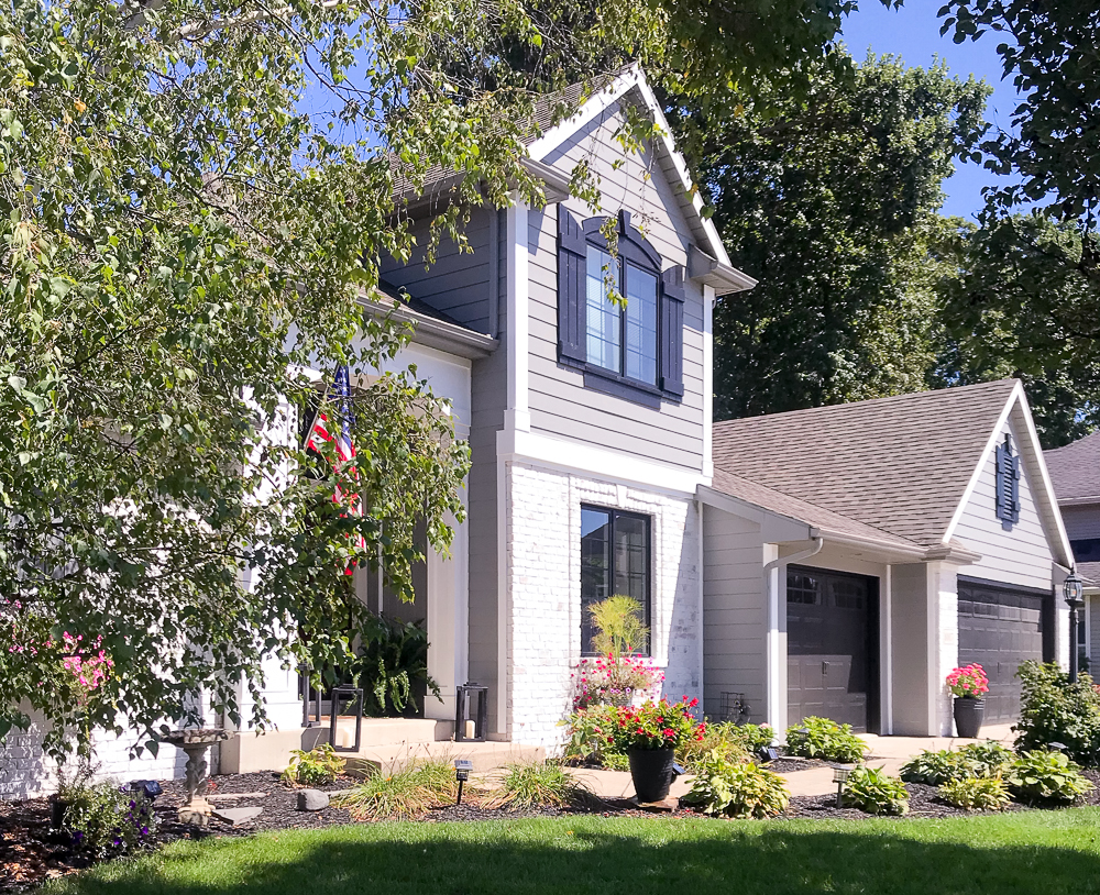 Craftsman home front view with Sherwin Williams Gray exterior paint colors
