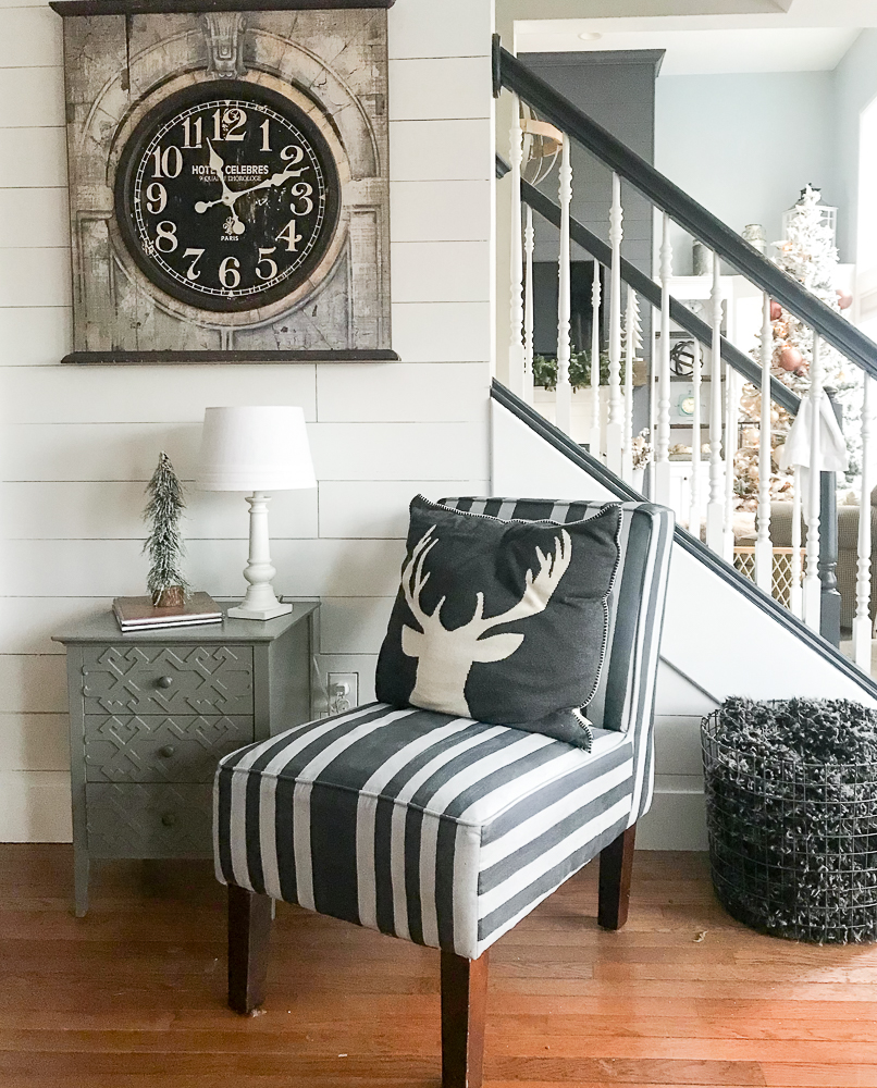 paint a fabric chair with black and white stripes using chalk paint