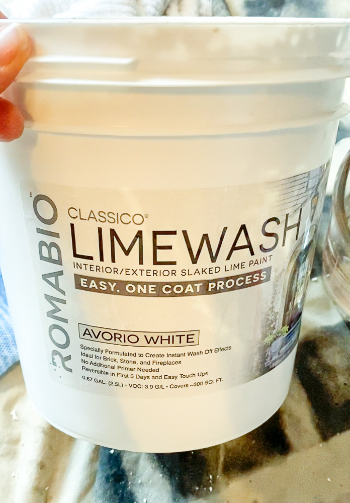 Limewash container for brick