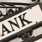 Банки продолжают испытывать кризис доверия