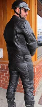 2pc-suit-blk-leather-back_9686