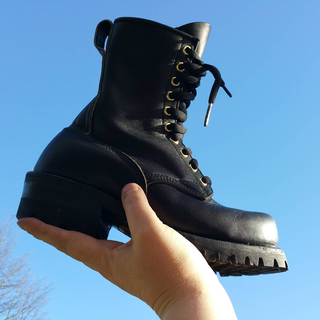 The tiniest Dayton boot… #rerides