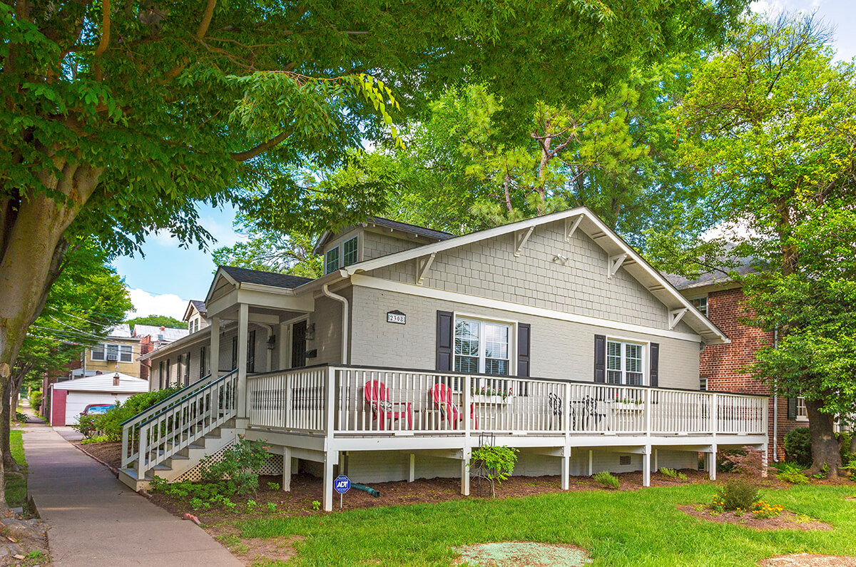 Charming Craftsman Exterior Styling with Wrap-around Porch
