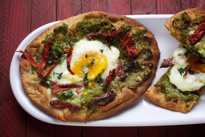 Egg Flatbread Pizza