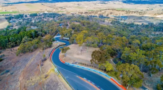 Trackside Mount Panorama property hits the market just in ...