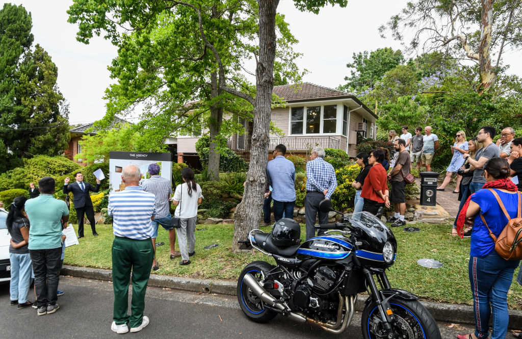 The auction of 4 Woodvale Avenue North Epping