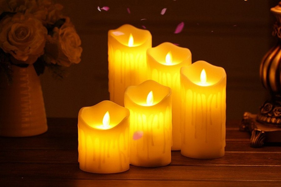 Looking for beautiful, stylish decorating ideas with flameless candles? In this post, we'll show you how to display flameless candles throughout your space in ways that are classy, elegant and fun.