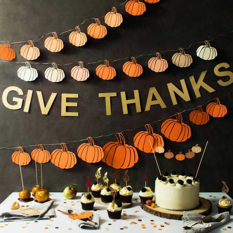 Thanksgiving signs are a great way to remind your guests (and yourself) what the holiday is really all about.