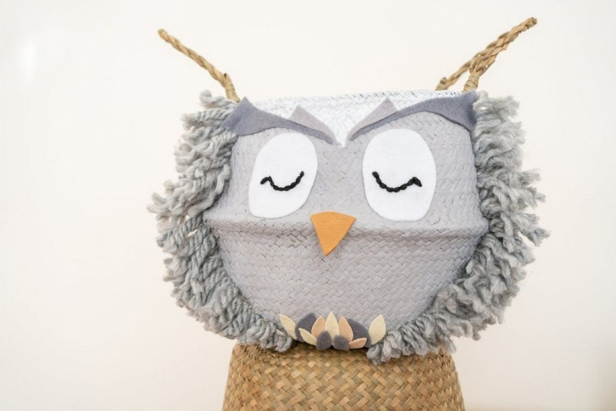 Create a peaceful nighttime atmosphere in your baby's nursery with these owl-themed ideas.