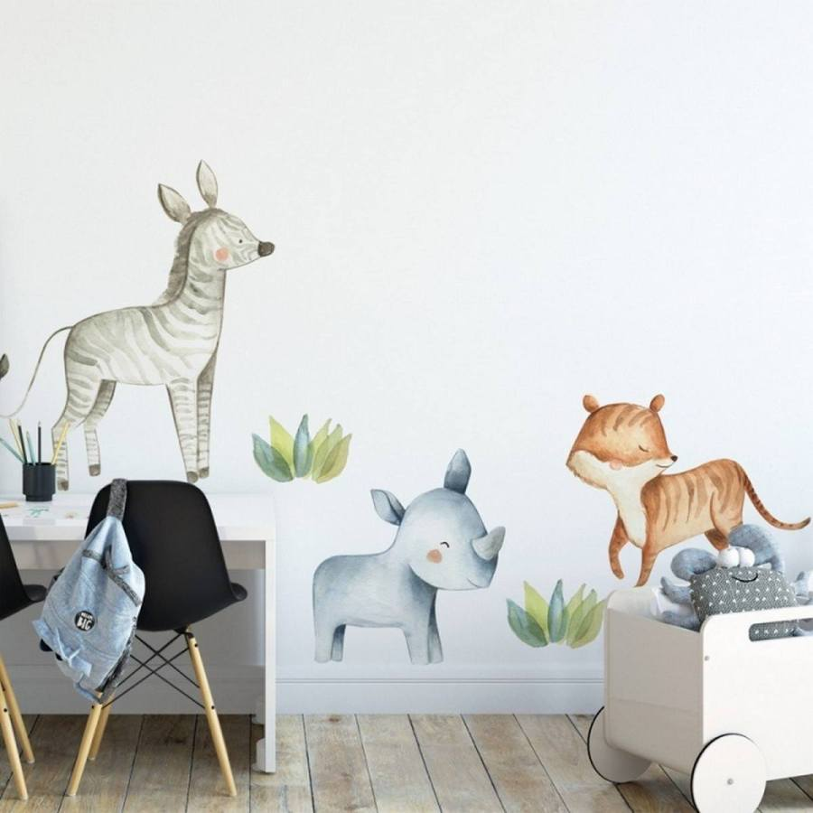 It doesn't matter if you go all-out with the safari nursery theme or just make subtle nods, such as with a giraffe-print crib sheet or elephant wall art, there are so many ways to create a beautiful safari-themed nursery for your little one.