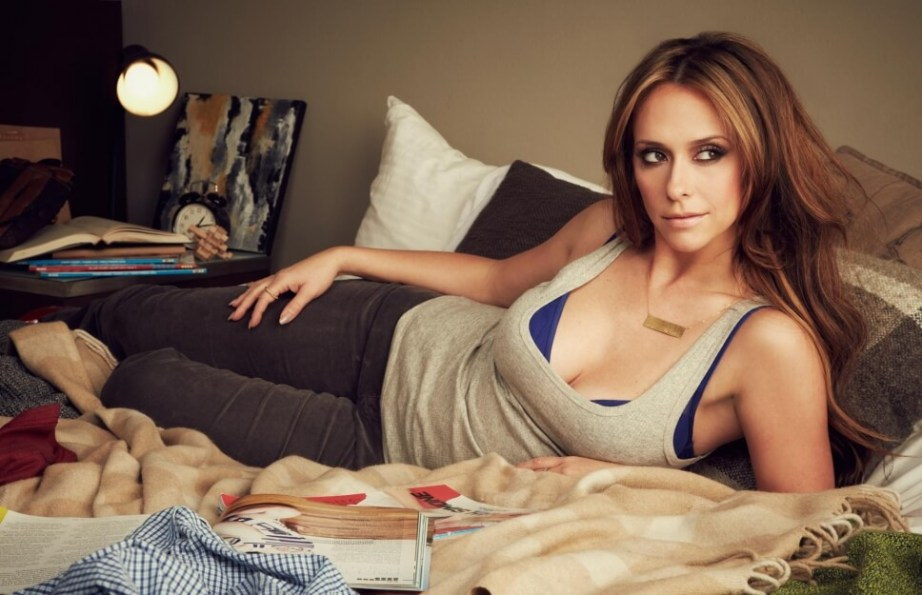 Jennifer love hewitt bra