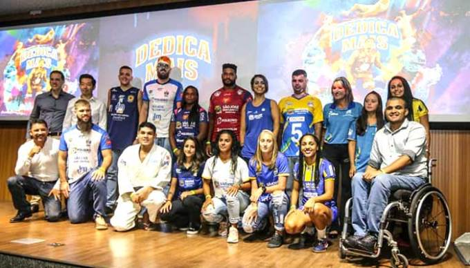 DMCard patrocina o futebol feminino