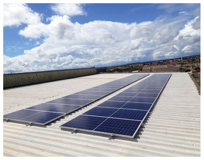 Instalação fotovoltaica reduz em 90% conta de energia da Yang