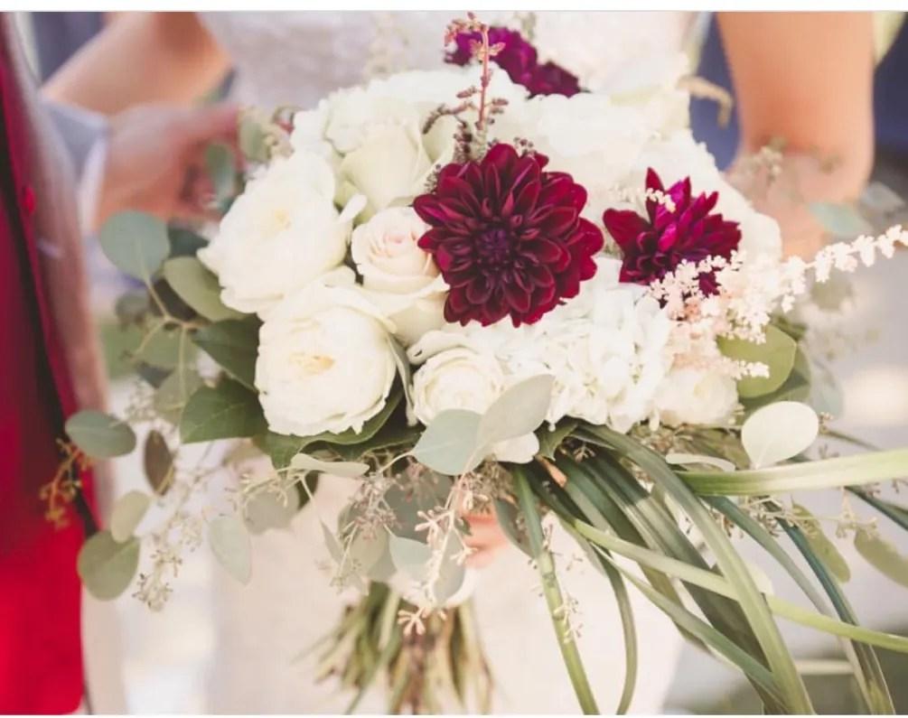 bridal bouquet roses dalia