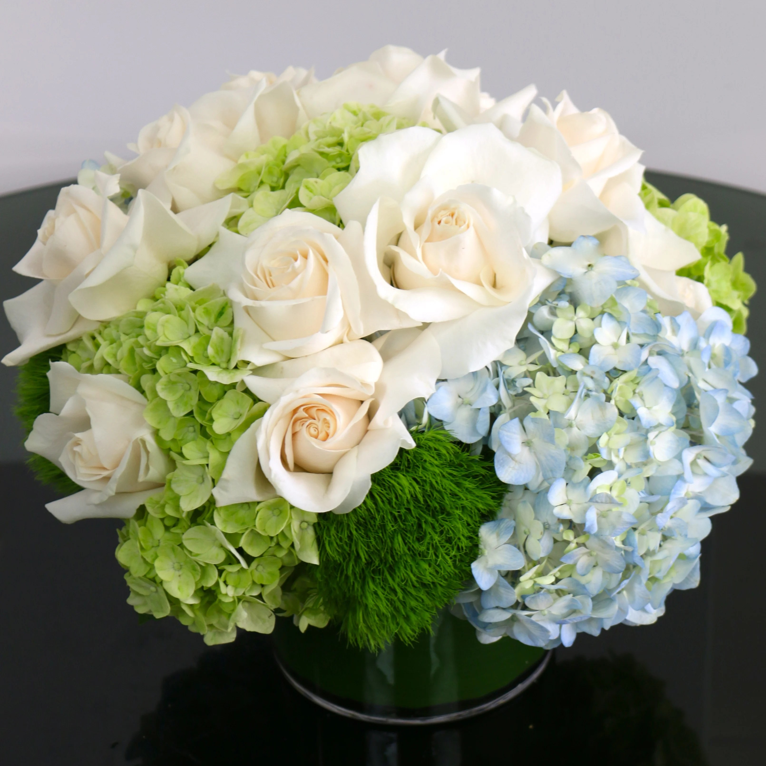 white roses and blue