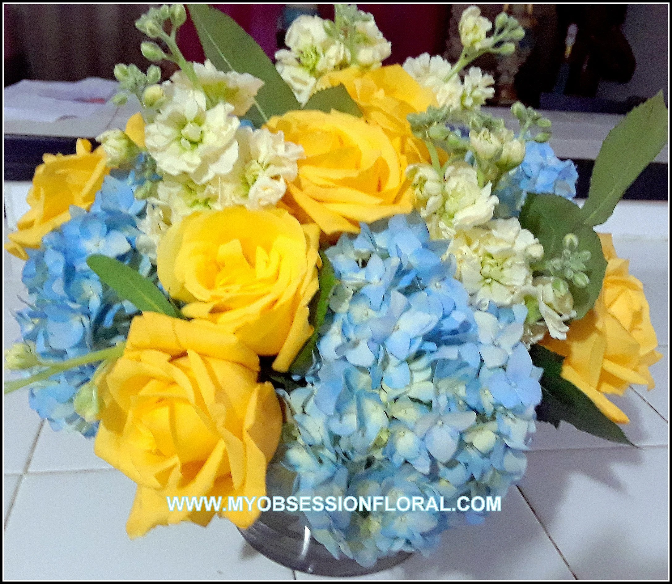 roses and blue in