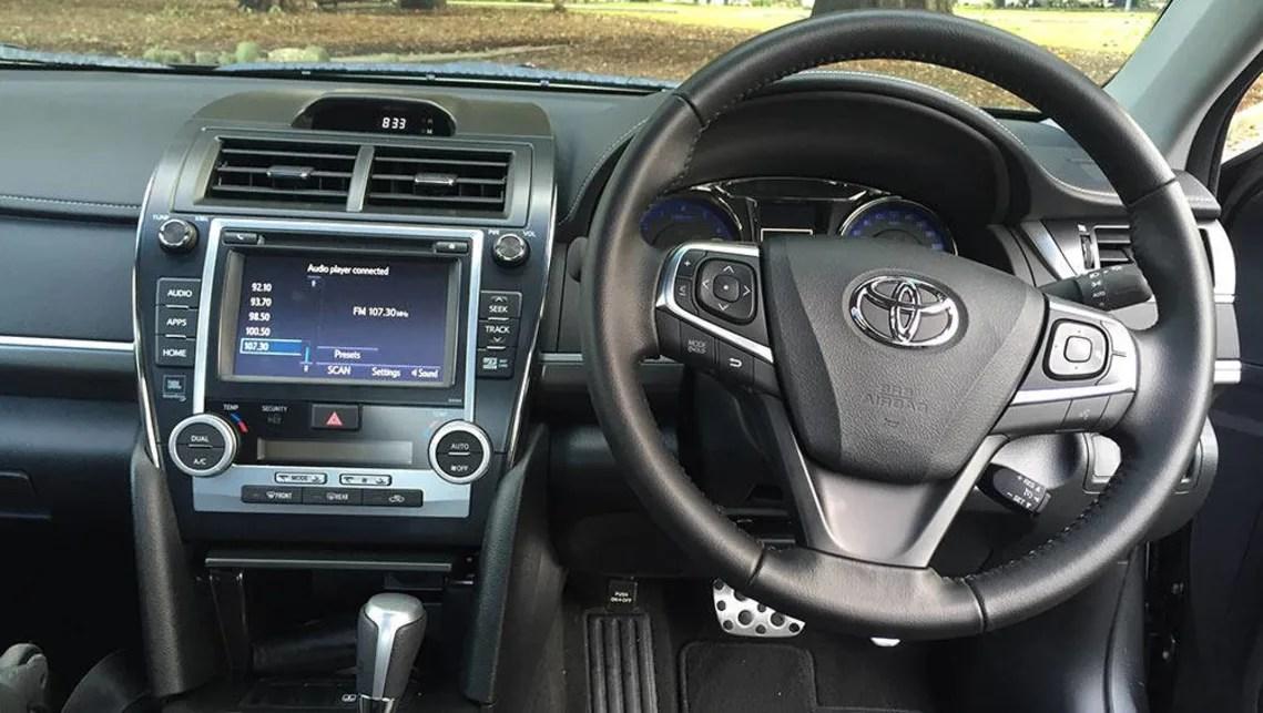 interior all new camry 2016 head unit grand avanza veloz toyota atara sx review carsguide petrol picture credit richard berry