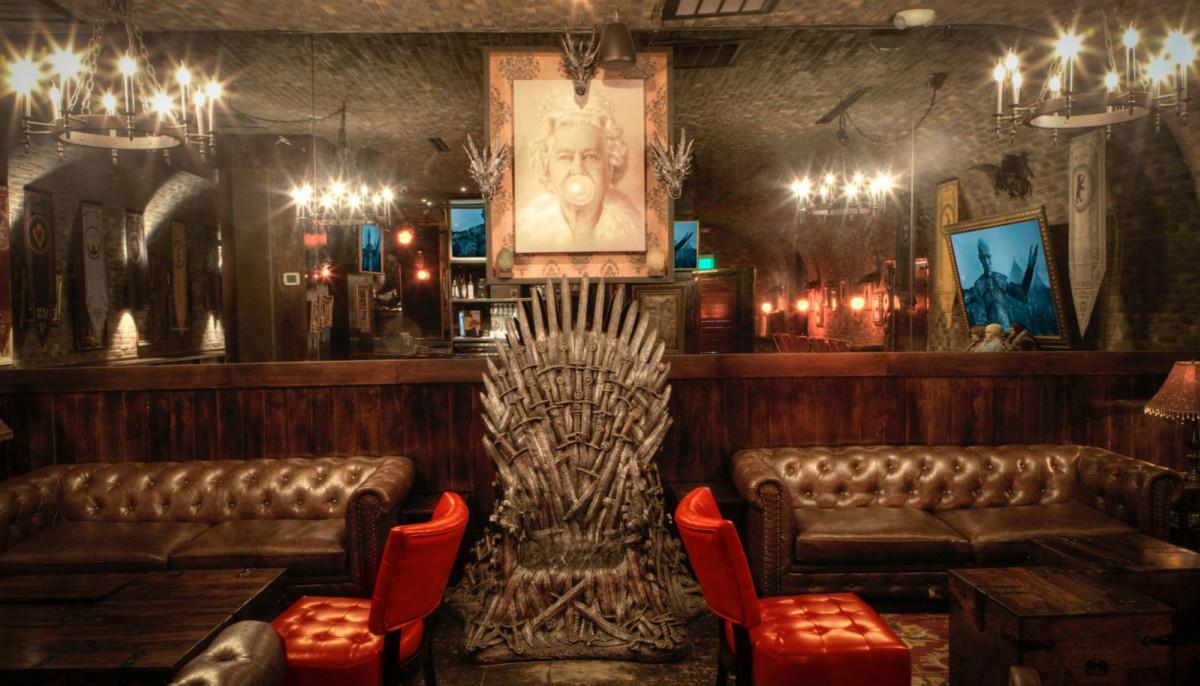 Uptown Dallas Bar Transforms Itself Into Game Of Thrones