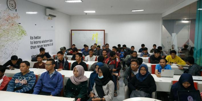 Para Peserta Meetup PHP Malang User Group