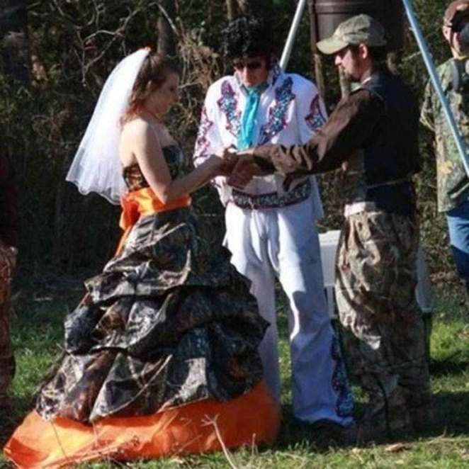 Yeehaw 25 Crazy Redneck Wedding Photos Joyenergizer