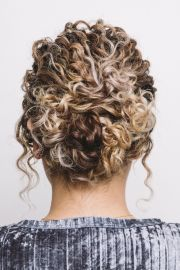 curly hairstyles holiday