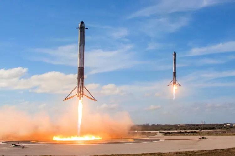 SpaceX разгонные модули возвращаются на землю