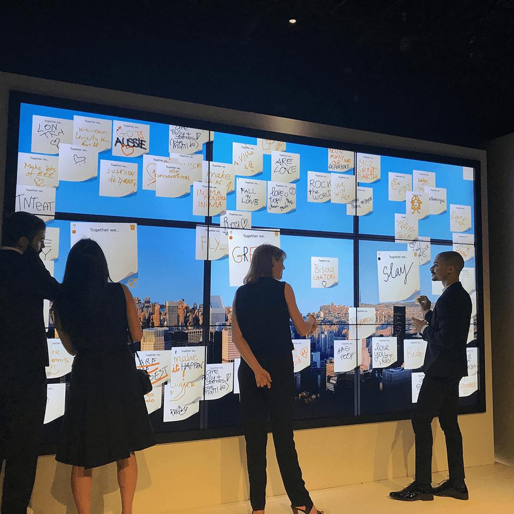 Mur Tactile Mur dimages interactif Social Wall  ELECOM