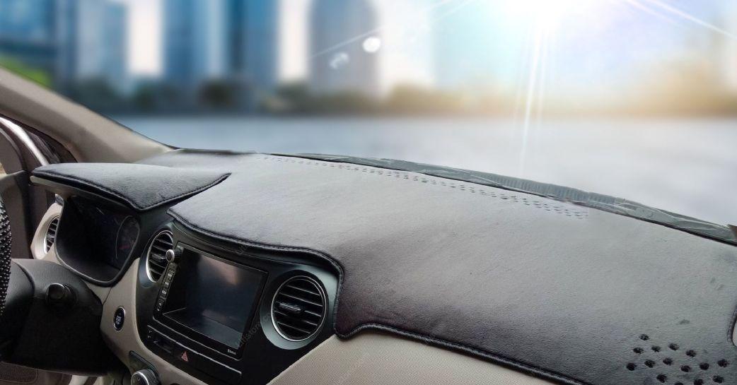 Thảm chống nóng có thể bao phủ toàn bộ khu taplo xe