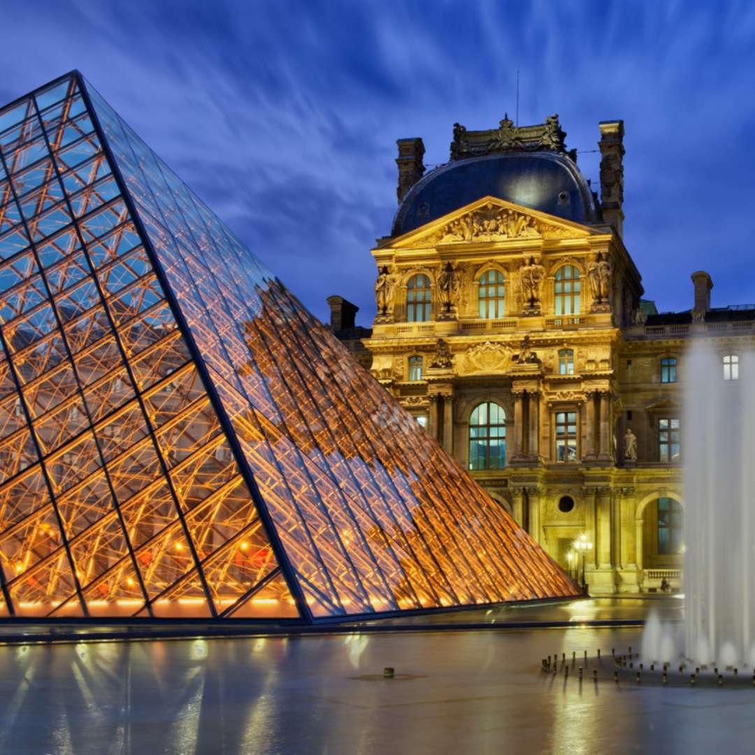 Magical Day Tour of Paris & Visit of the Louvre Museum from Disneyland® Paris   VisitParisRegion