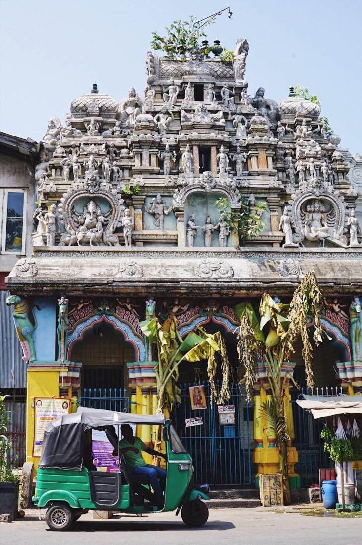 colombo temple - photo tour of sri lanka