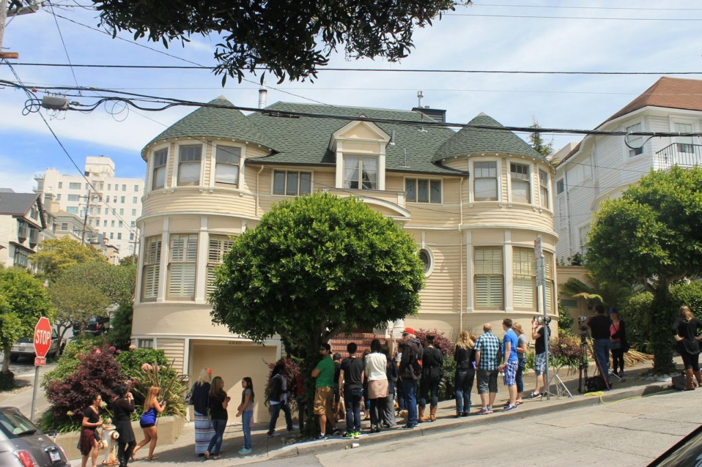 remembering robin williams at the mrs doubtfire house. Black Bedroom Furniture Sets. Home Design Ideas