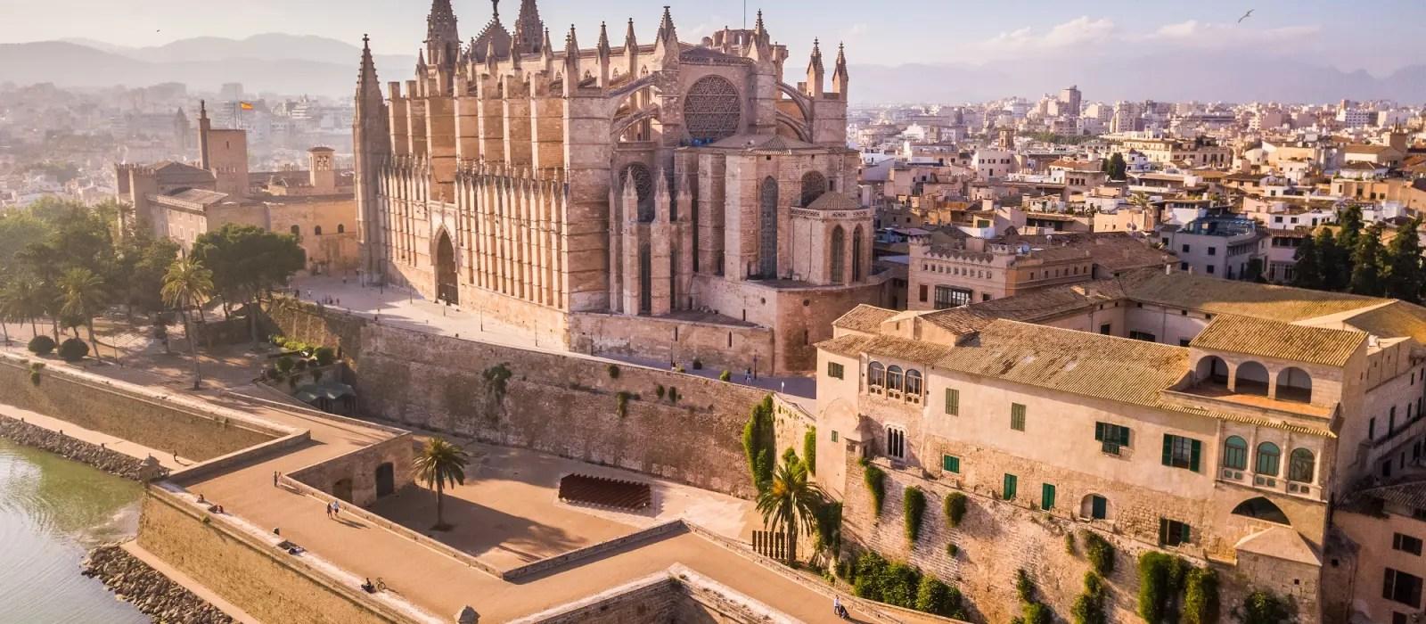 reiseziel palma de mallorca in spanien